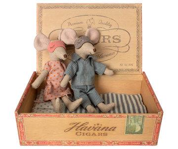 Mum & dad mice in sigar box - Maileg