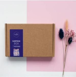 Surprise-box-Hello-August